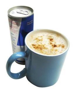 De start van elke dag, koffie met red-bull
