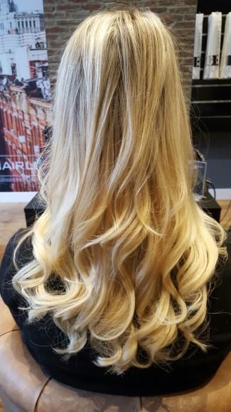 een haarverlenging van 150 hairextensions