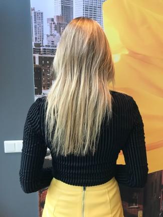 Arielle Knol - zonder hairextensions-achterzijde