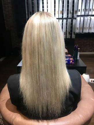 Roos van der AA - zonder hairextensions