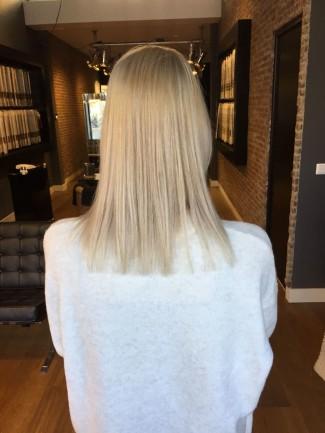 Linda van der Grijn zonder hairextensions-achterzijde