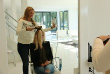 Den Haag traint hairextensions in Amersfoort