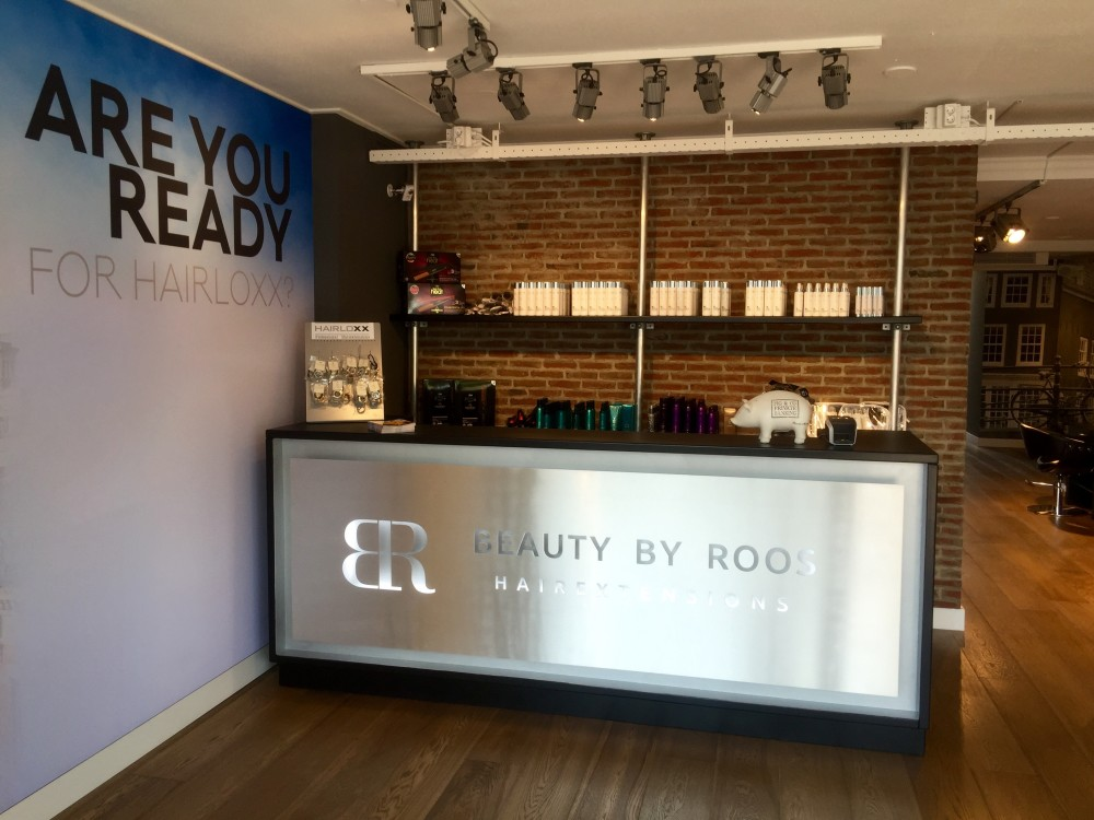 Beauty by Roos Hairextensions salon Hengelo balie