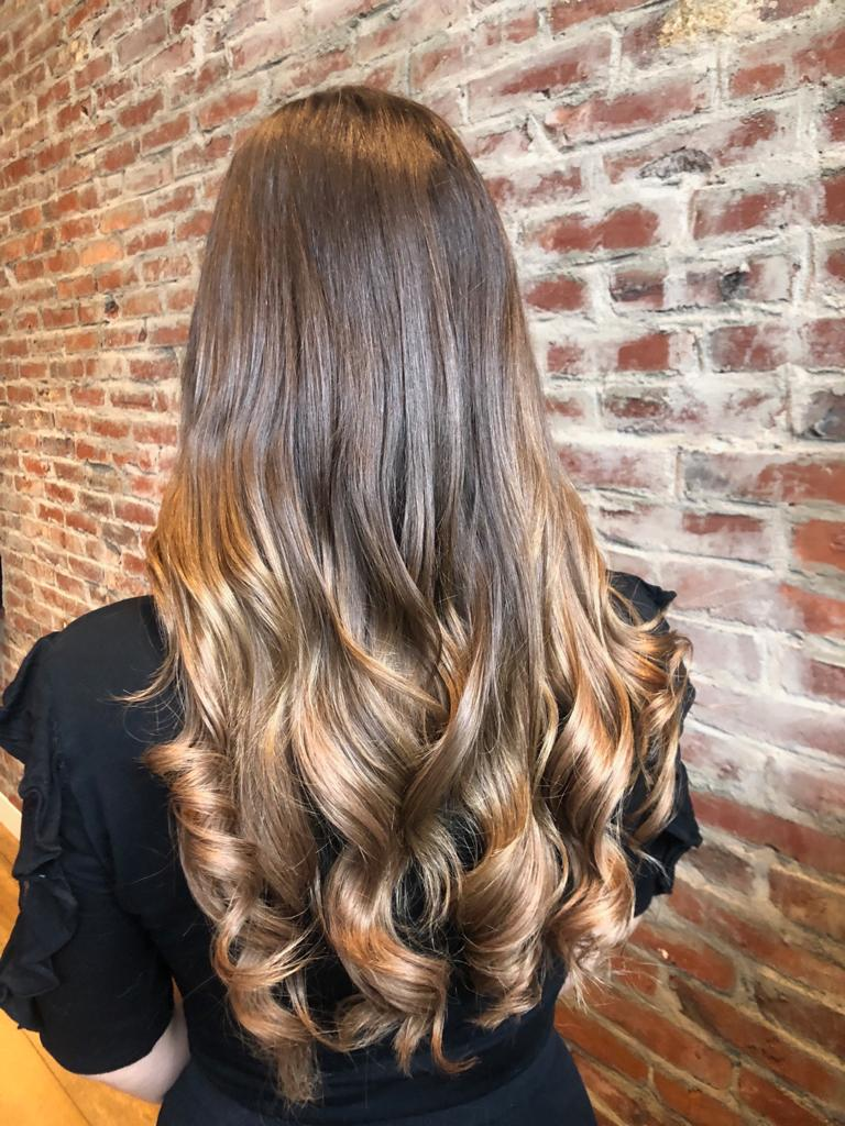Hair extensions Beauty by Roos